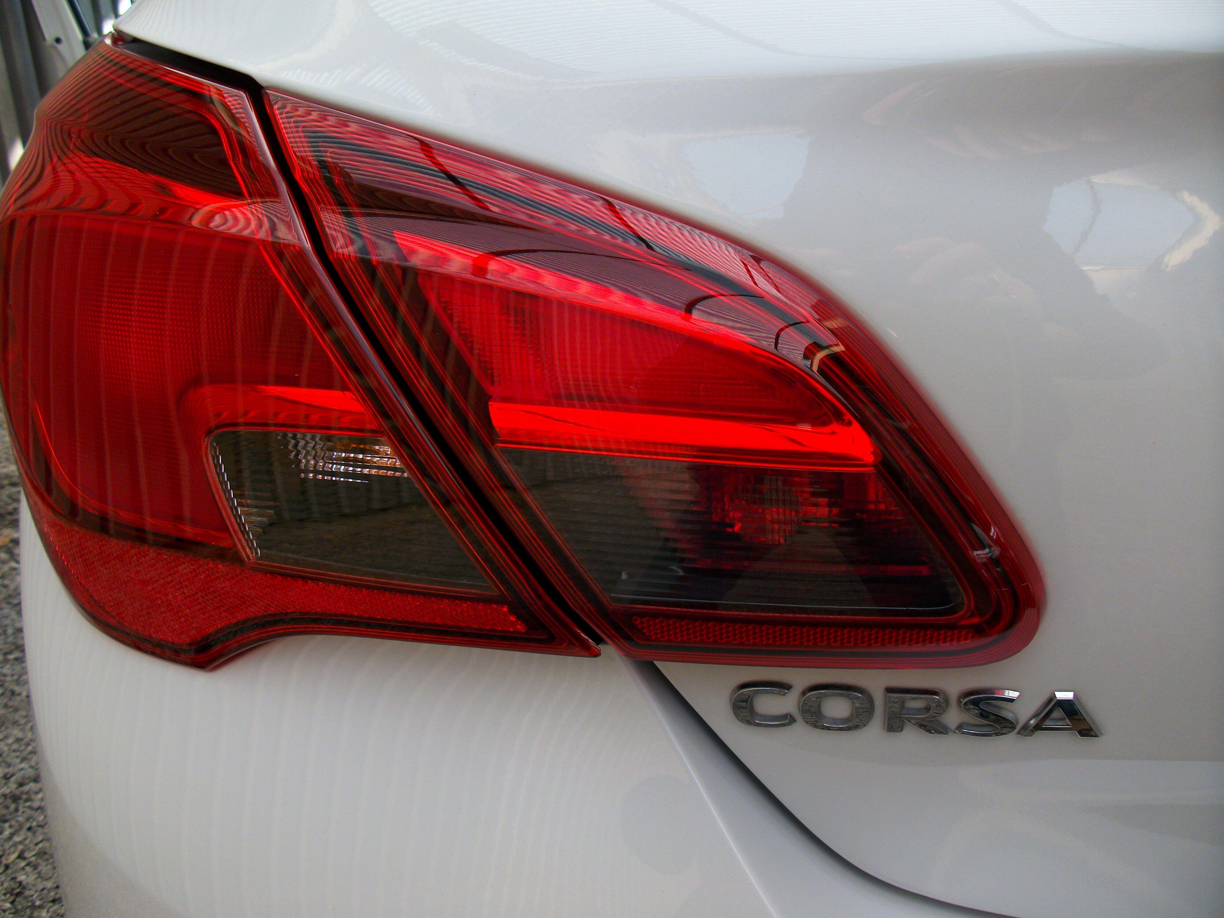 Opel Corsa CORSA E 1.2 Benz. - 5 deur 14/15