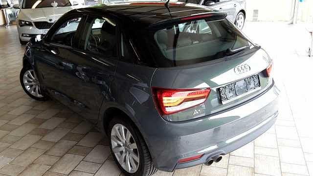Audi A1 SPORTBACK 125pk benzine -Airco -GPS -Xenon -LED -Parkeersensoren 8/9