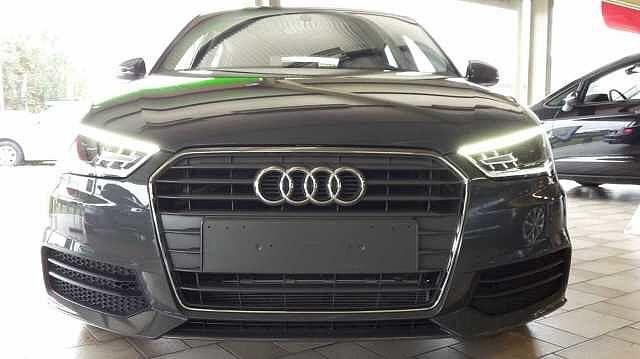 Audi A1 SPORTBACK 125pk benzine -Airco -GPS -Xenon -LED -Parkeersensoren 2/9