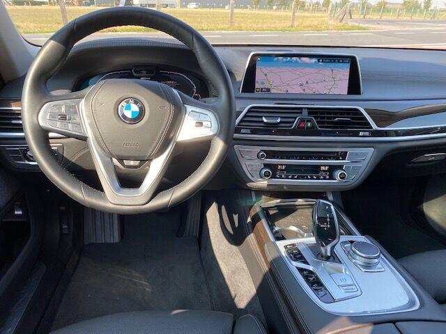 BMW 745 Le xDrive Limousine
