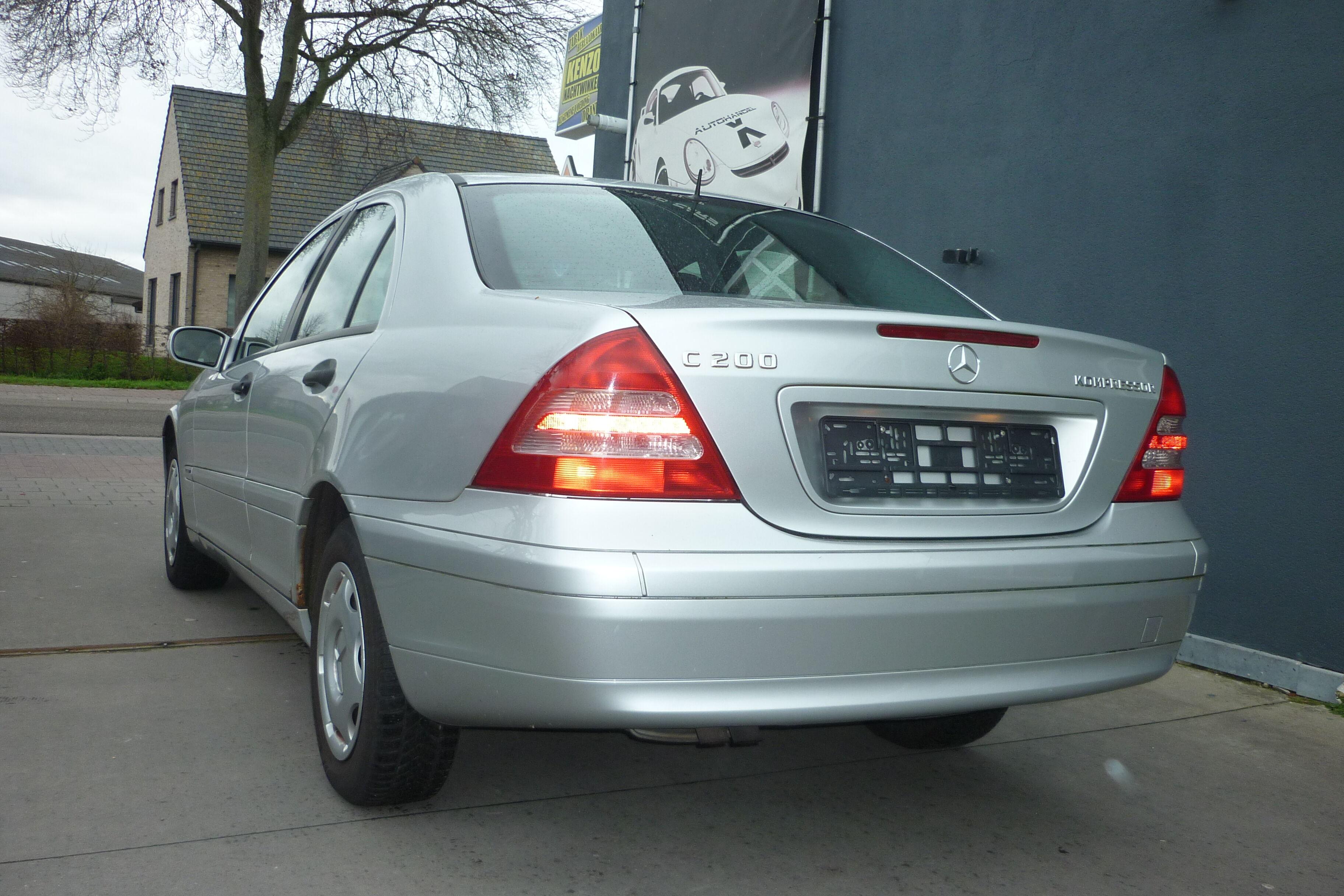 Mercedes C 200 4/10