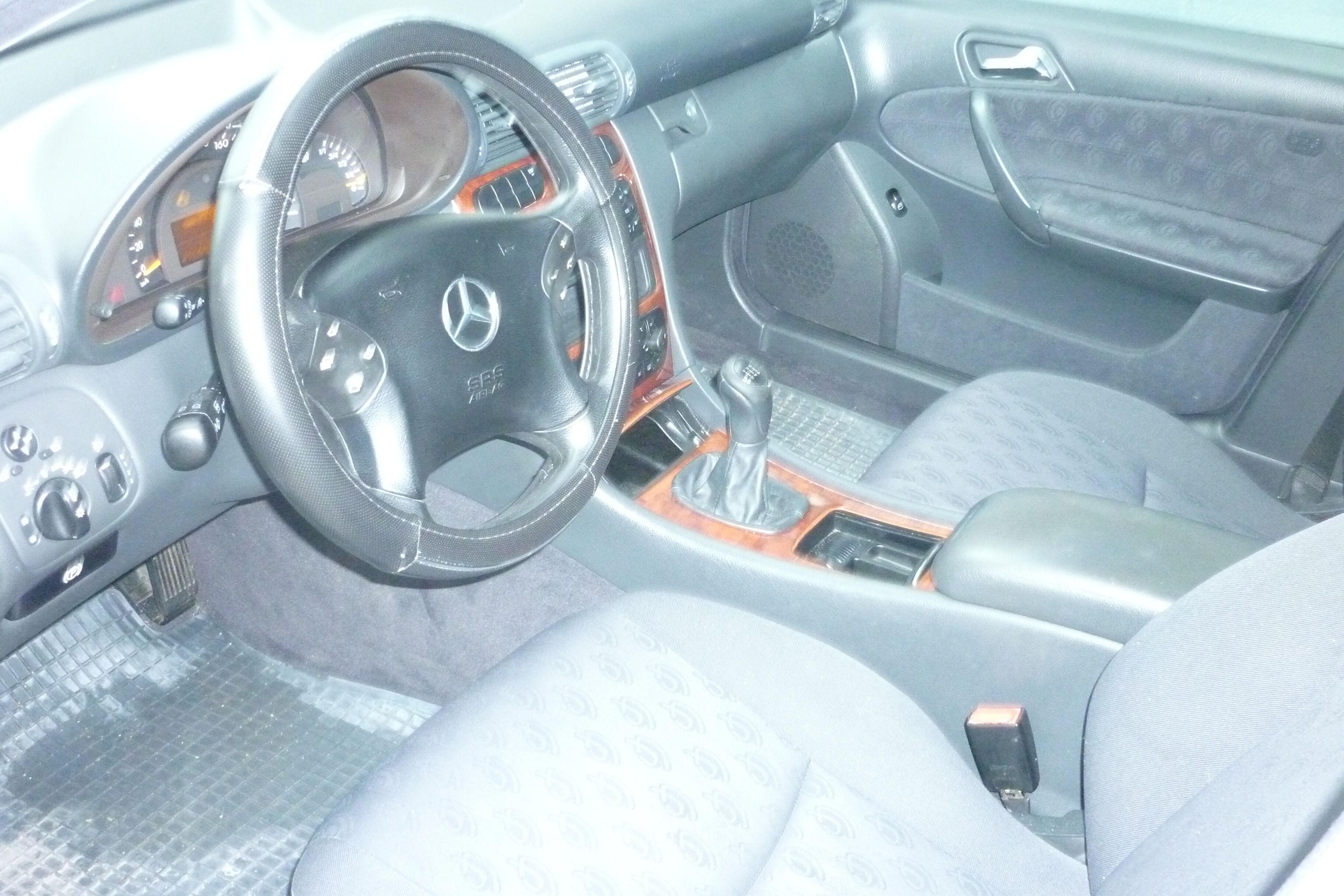 Mercedes C 200 6/10