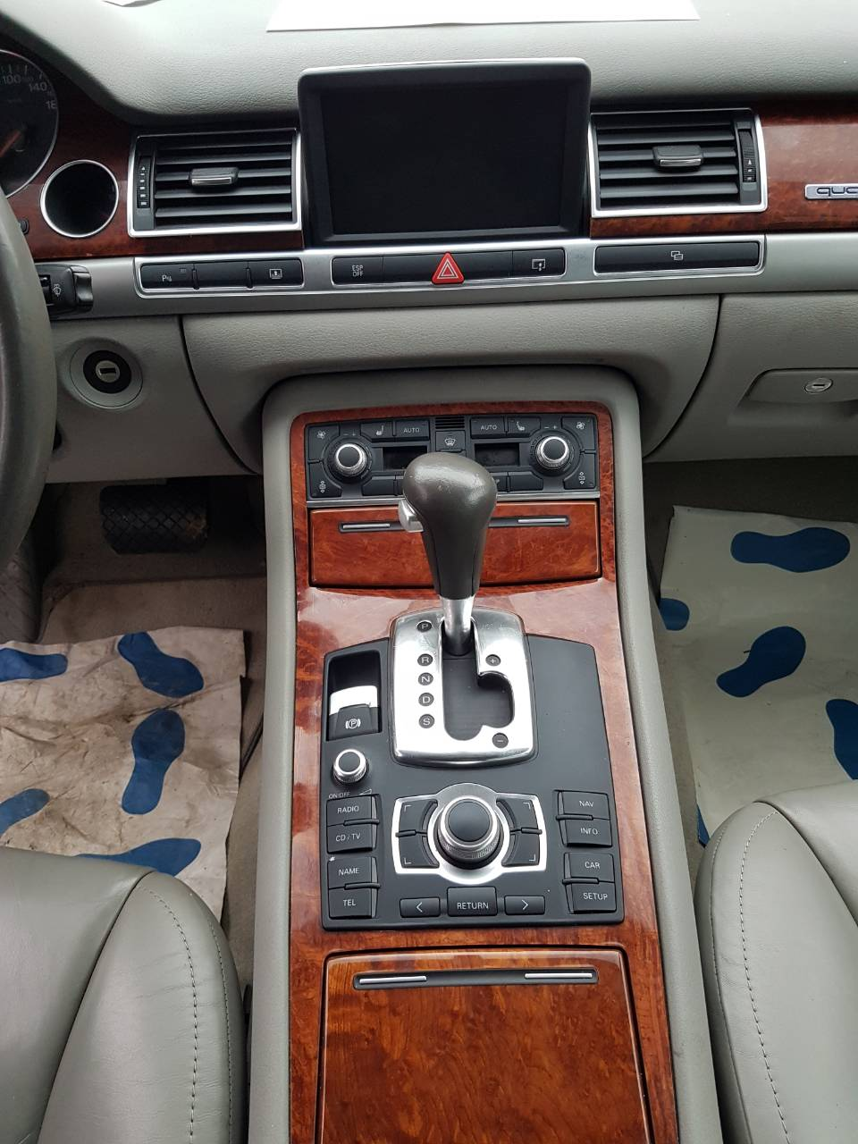 Audi A8 6/12