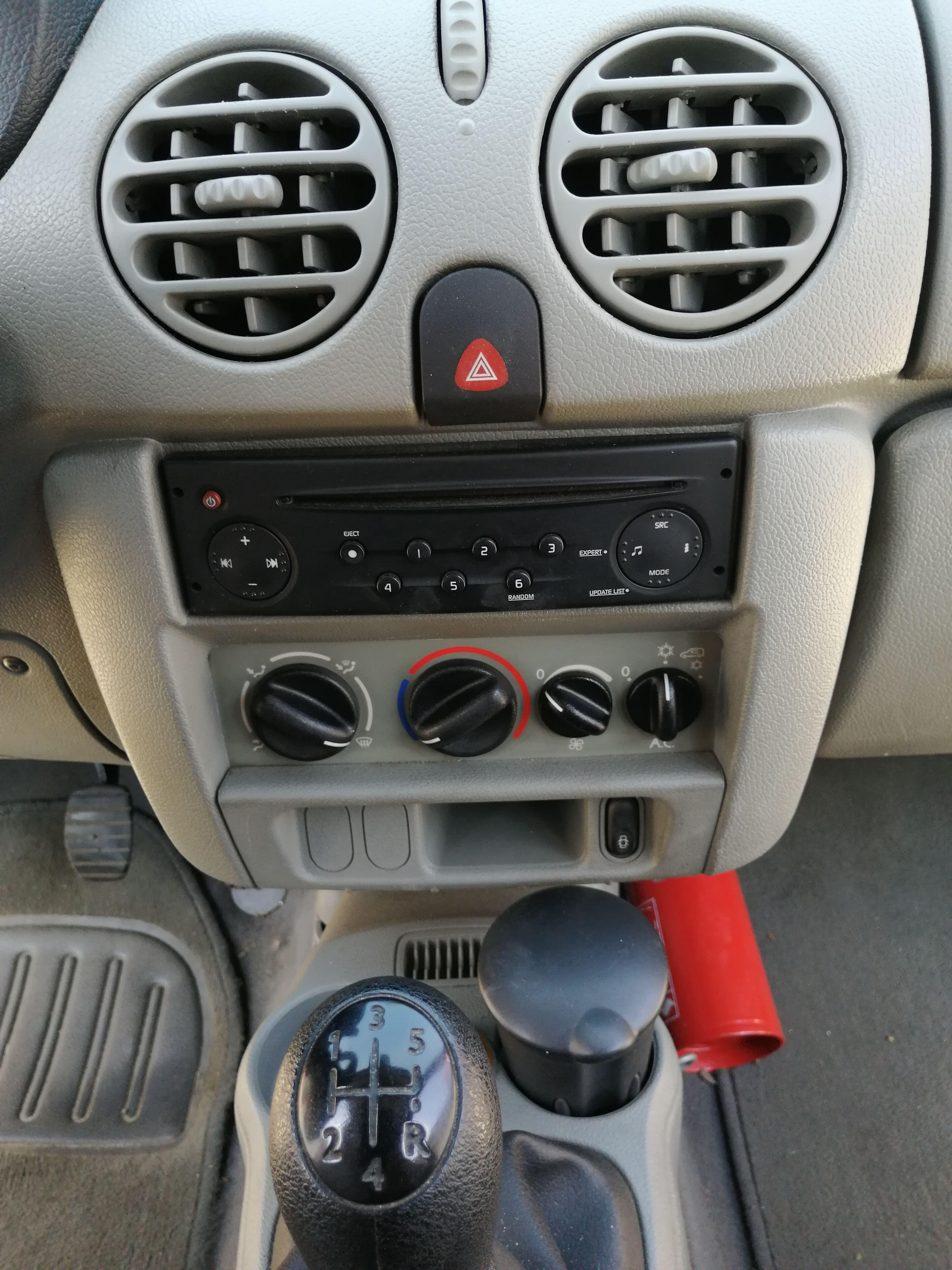 Renault Kangoo 1500 DCI 62 KW 85 CV AIRCO 2/19