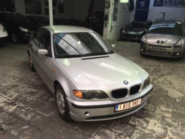 BMW 318 Saloon