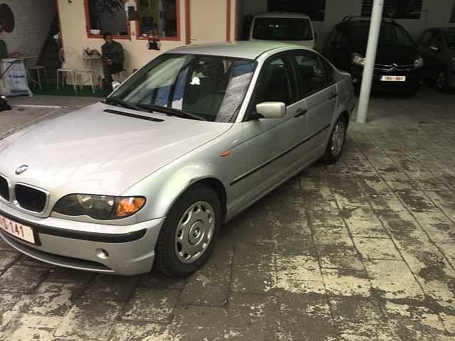 BMW 318 Saloon 2/10