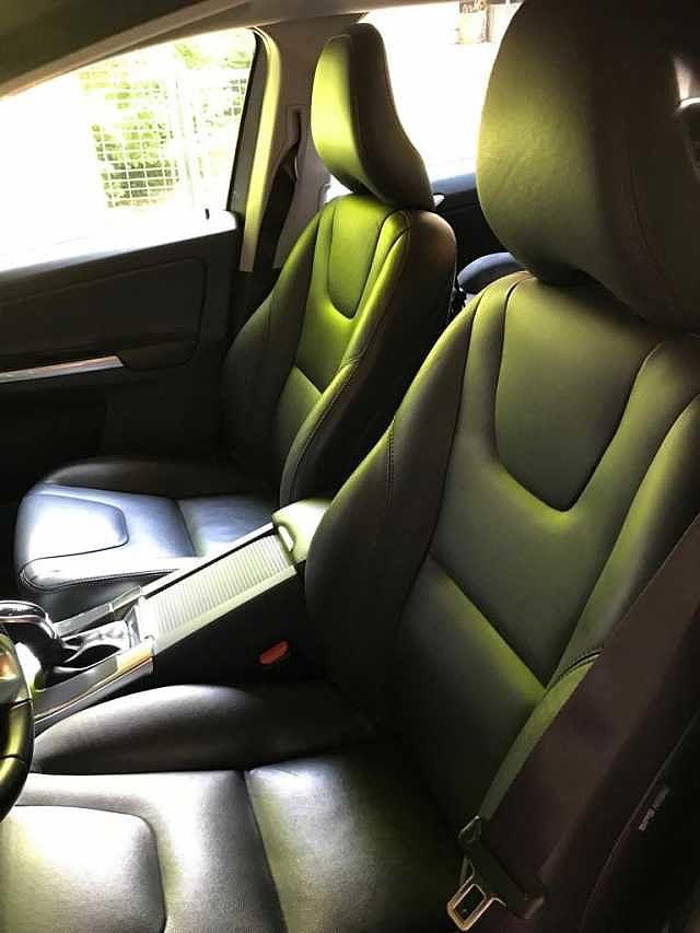 Volvo XC60 2/6