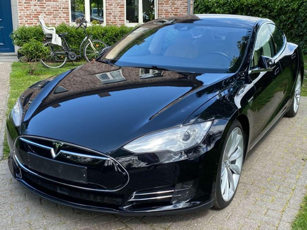 Tesla Model S 70D Dual Motor-Autopilot- Panorama- Next Gen Seats 4/15
